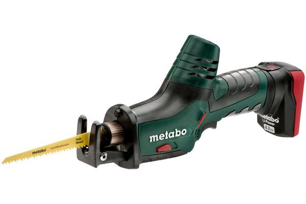 METABO ZOBENZĀĢIS POWERMAXX ASE ar 2 akumulatoriem 10.8V-4.0Ah  Specifikācija Komplektā ietilpst: Zāģa asmens kokam un metālam; Zāģa asmens metālam; 2 Li-power lādējamie akumulatori (10,8 V/4,0 Ah); Lādētājs LC 40; MetaLoc koferis.  Cena 380.00 Bez Atlaides