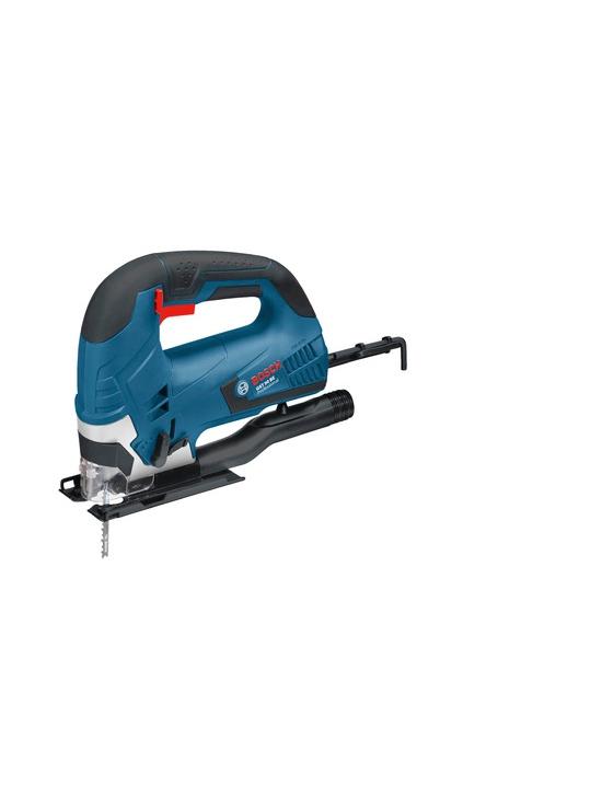 Figūrzāģis Bosch GST 90 BE 650W  Specifikācija Figūrzāģis ar kompaktu dizainu ikdienas lietošanai. Piegādes komplekts: koferis, putekļu atsūkšanas adapters, seškanta atslēga. Max griešanas dziļums kokā: 90 mm, metālā 10 mm. Asmens stiprinājums: SDS ātrā nomaiņa. Garantija 2 gadi.  Svars 2.44 kg Cena 160.00 bez atlaides