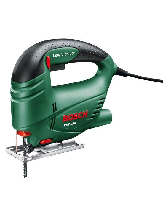 Figūrzāģis Bosch PST 650 500W  Specifikācija Figūrzāģis Bosch PST 650 ikdienas mājas darbiem ar figūrzāģu asmeņiem. Balstplāksnes nolieces leņķis abos virzienos: 45°. Garantija 2 gadi.  Svars 1.75 kg Cena 65.00 bez atlaides