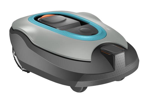 Robotizēts zāles pļāvējs Gardena Sileno+ R160Li  Specifikācija Darba laukuma izmērs: 1600 m² +/-20%; Uzlādēšanas sistēma: Automātiska; Maksimālais zālāja slīpums: 35%; Akumulatora tips: Li-ion; Aptuvenais uzlādes laiks: 60min; Vidējais pļaušanas laiks akumulatoram: 65min; Enerģijas patēriņš: 25W; Pļaušanas mehānisms: 3 rotējoši asmeņi; Pļaušanas augstums, min-max: 20-60mm; Pļaušanas platums: 22cm; Drošības aprīkojums: Brīdinājuma signāls, PIN kods, Uzstādījumu nobloķēšana, Bloķēšanas laiks, Pace